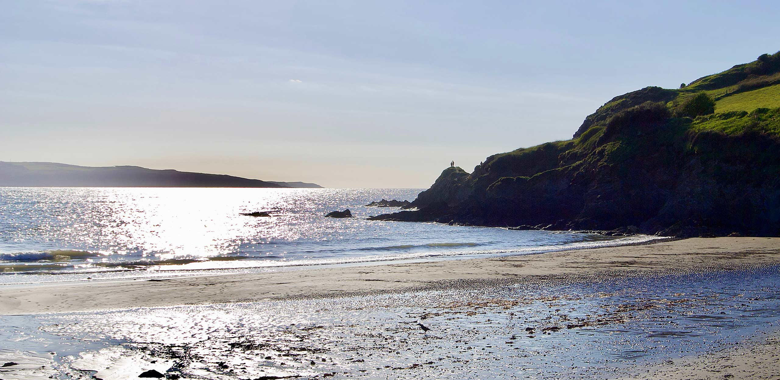 Afternoon sun at Pwllgwaelod Beach at Dinas Cross